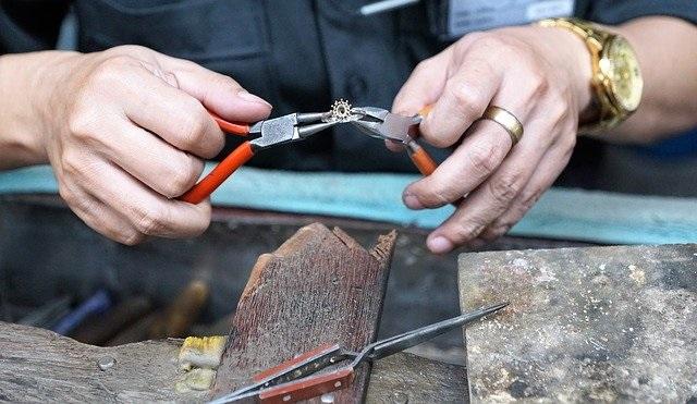 réparation de bijoux à Nîmes